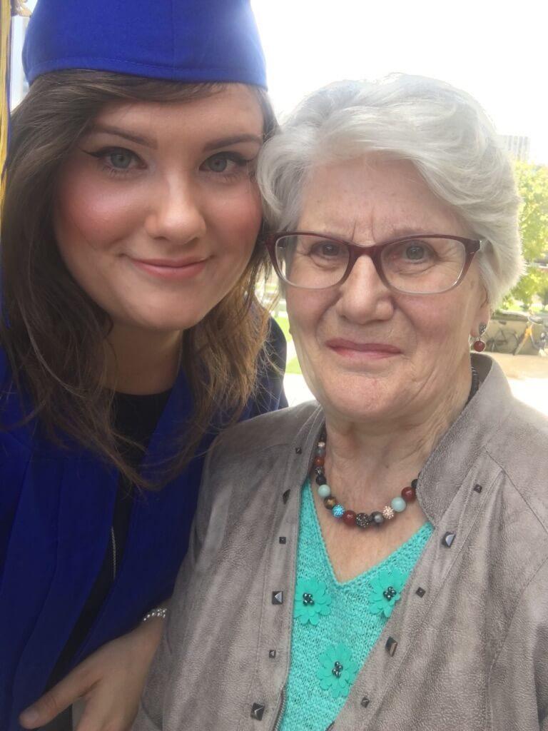 Eveline en oma
