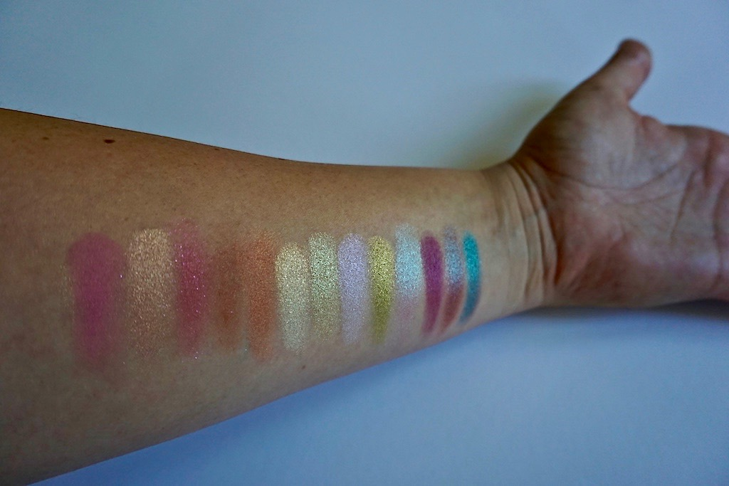 Too Faced Life's A Festival Oogschaduw Palette Swatches