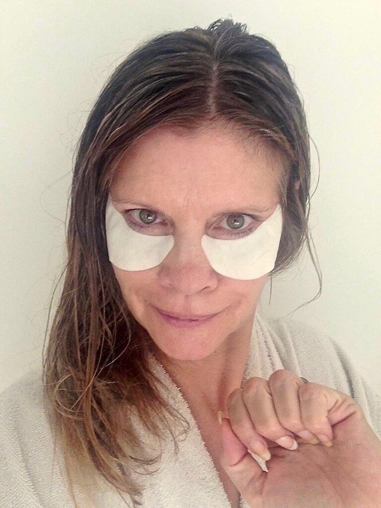 Shiseido Benefiance WrinkleResist24 Smoothing Eye Mask