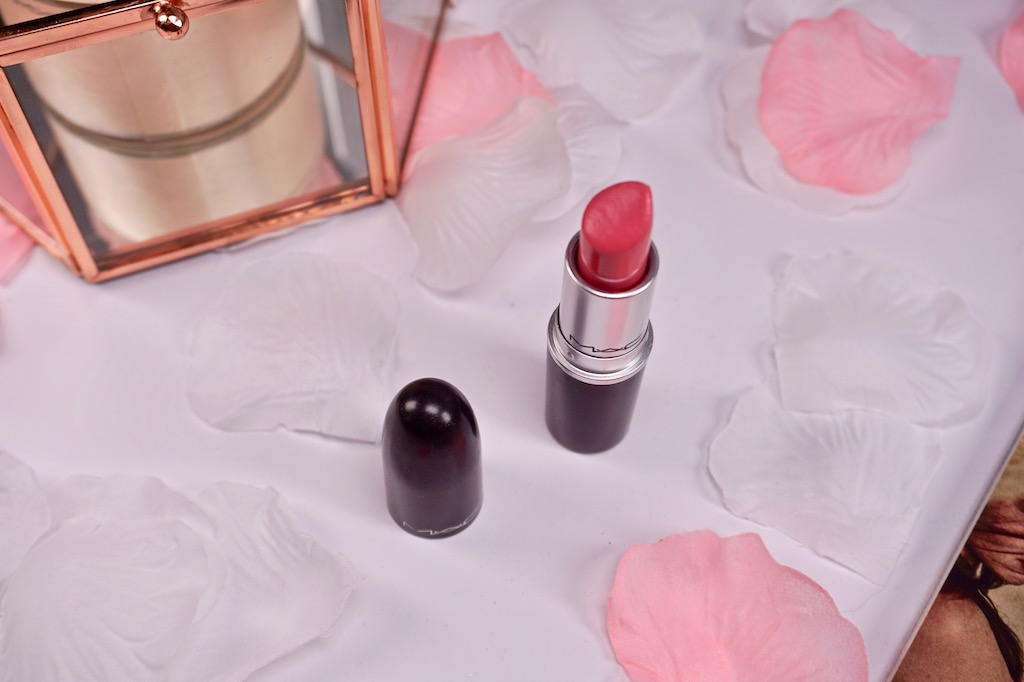 MAC Chatterbox Lipstick (Amplified Crème)