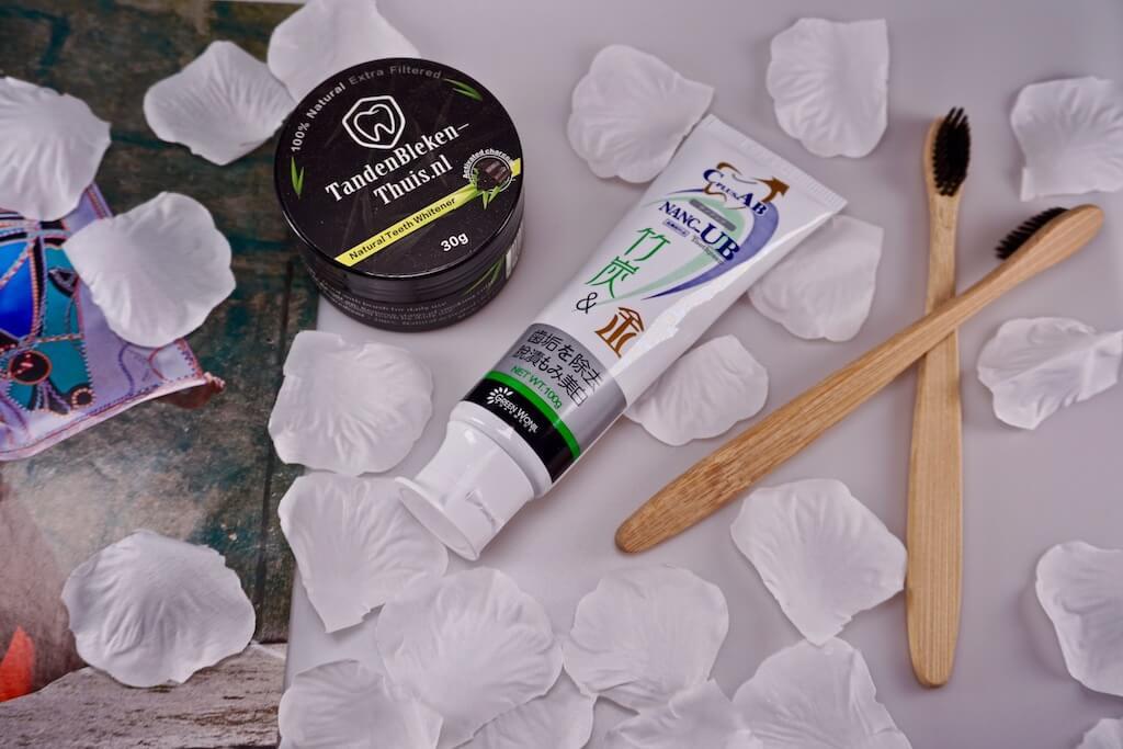 Tanden Bleken Thuis Deluxe Charcoal Pakket