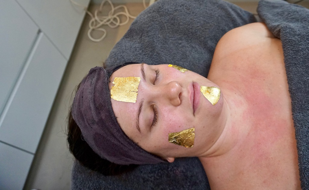 24k Gold Treatment van Alissi Brontë bij Attirance