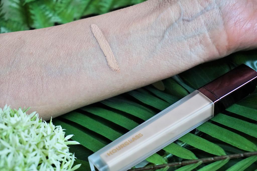 Hourglass Vanish Airbrush Concealer Review