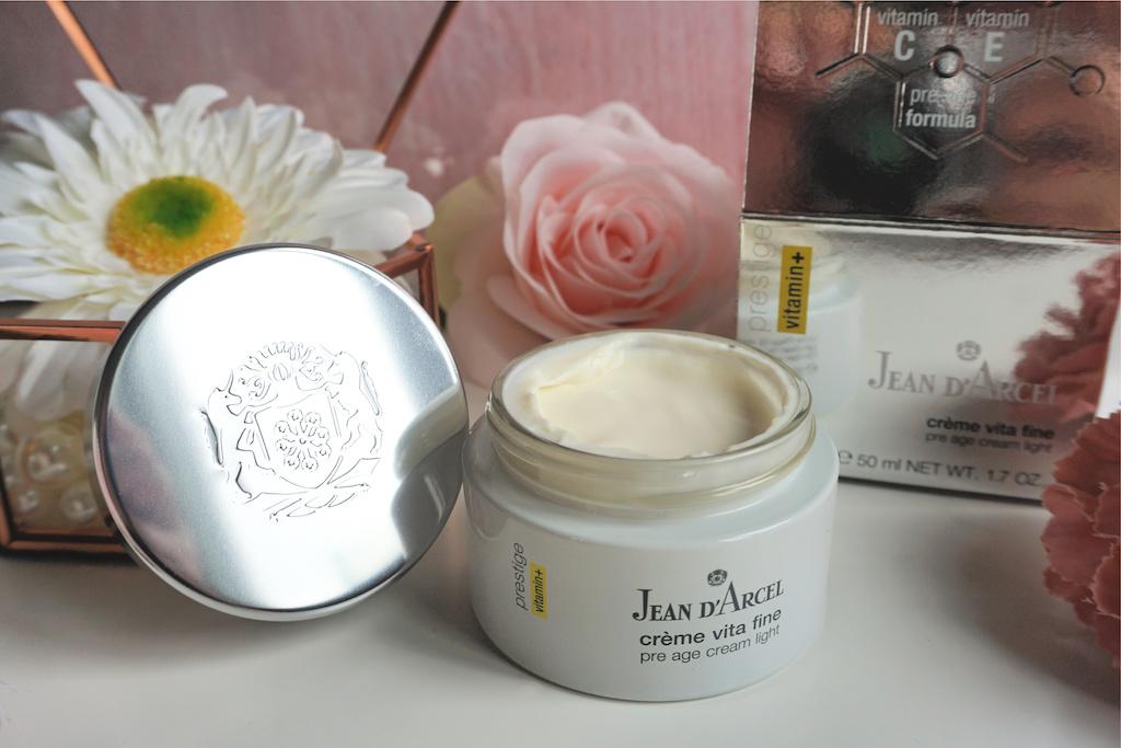 Jean D'Arcel Crème Vita Fine Dag- en Nachtcrème Review