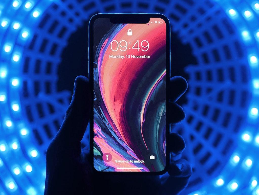Blauw licht van je telefoon / tablet en het effect op je huid