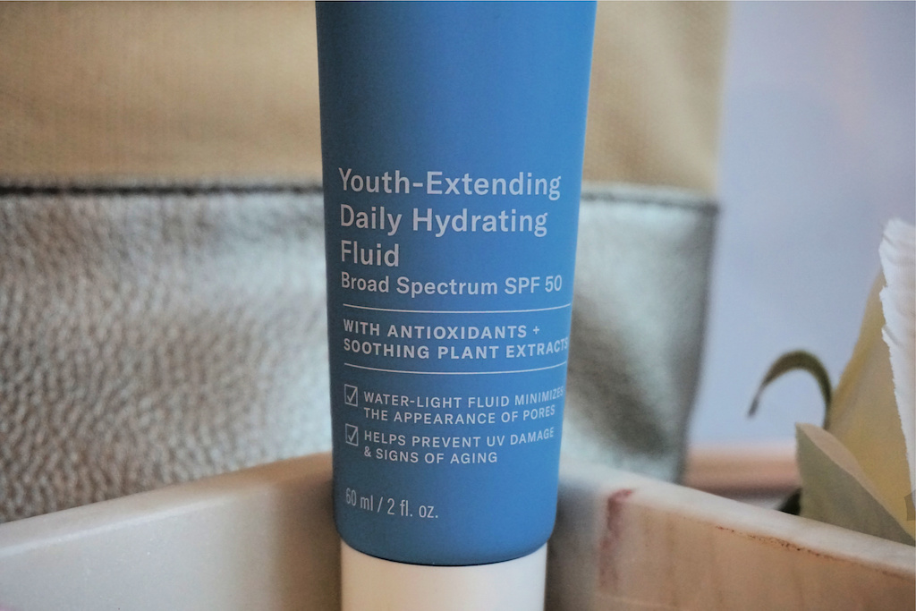 Paula's Choice Youth-Extending Daily Hydrating Fluid Review