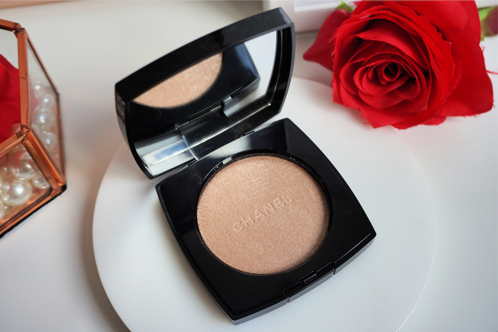 Chanel Poudre Lumière Highlighter Ivory Gold