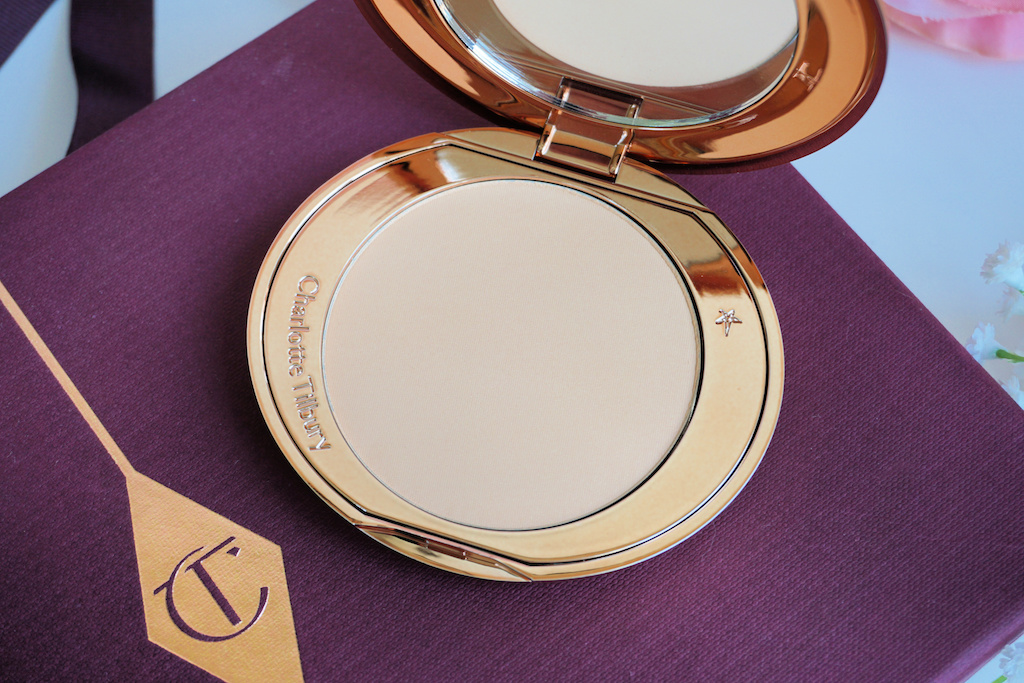 Charlotte Tilbury Airbrush Flawless Finish Poeder Review